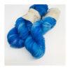 Smukt, lækkert og blødt håndfarvet garn af 75 % Merino Extrafine og 30 % Mulbærsilke. Farverne fordeler sig smukt på dette garn og giver en flot dybde i nuancerne. Løbelængde 400 m. på de 100 g. Vejledende pinde: 2,5-4 mm Vejledende strikkefasthed: 25-32 masker pr 10 cm.