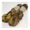 Let, blødt og kradsefrit garn i blandingen af 90 % SW Extrafine Merino og 10 % Hør Garnet er meget velegnet til sweatre, sjaler og andet strik, der ønsket lidt lettere end ren uld. Vejledende pinde: 2,5-4 mm Vejledende strikkefasthed: 25-33 masker på 10 cm